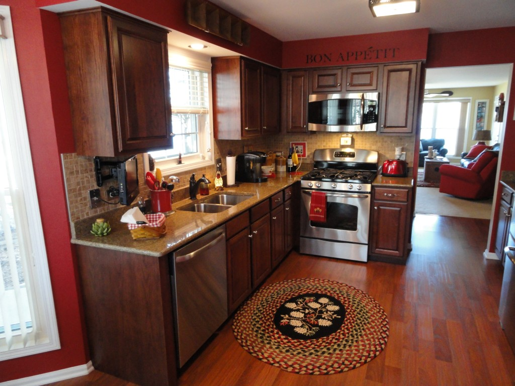Photos affordable cabinet refacing nu look kitchens for Cinnamon cherry kitchen cabinets